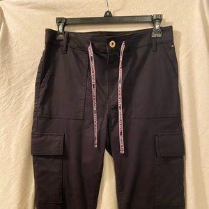 BRAND NEW Tommy Hilfiger women's cargo pants.